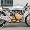 De la Café Racer à la Superbike: 20 motos iconiques à la Villa Erba.