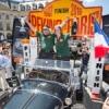Rallye Pékin – Paris : Arrivée triomphale Place Vendôme.