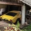 Une Lamborghini Miura P400 S de 1969 dans une grange