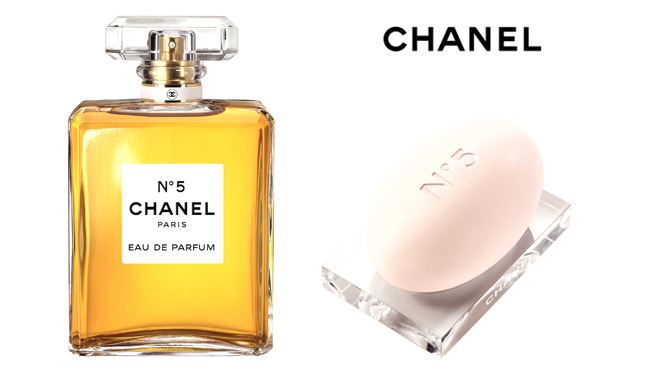 the 7 exclusive journal chanel n 5 christmas 2012. Black Bedroom Furniture Sets. Home Design Ideas