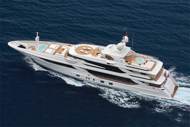 The 7 exclusive journal nouveau benetti fb801 m y vica for Prezzo yacht 50 metri