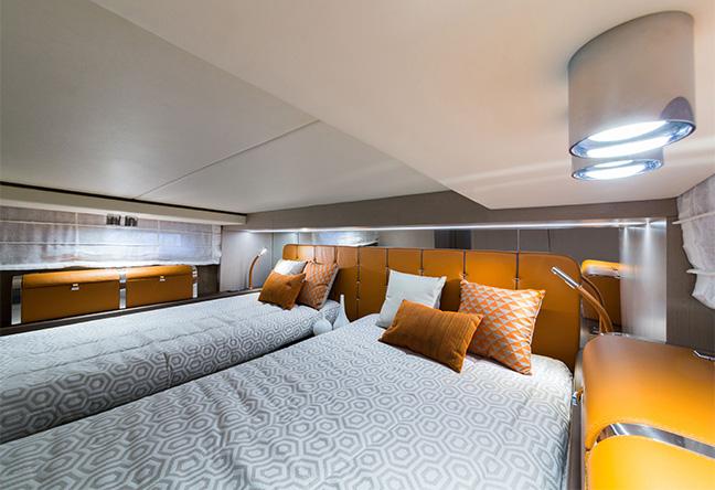 Invictus Yacht - Miami Boat Show 2020