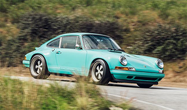 Porsche 911 Malibu by Singer