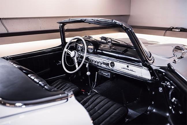 Mercedes-Benz 300SL Roadster